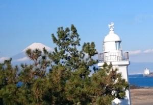 燈台と富士山